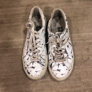 Veja Uma Esplar Low Top Sneaker